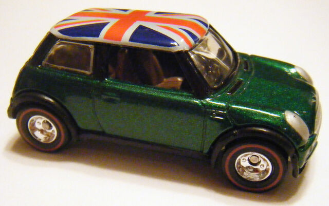 File:2001 Mini Cooper - 04 HOF.jpg