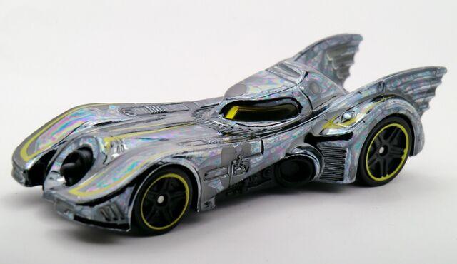 File:Batmobile (1989)-2015 062 recolor.jpg