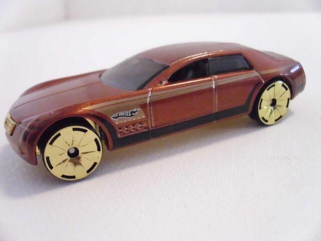 File:Cadillac V16 (800x600).jpg
