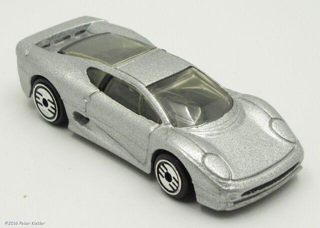File:Jaguar XJ220-29425.jpg