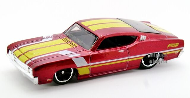 File:'69 Ford Torino Talladega-2014 235.jpg