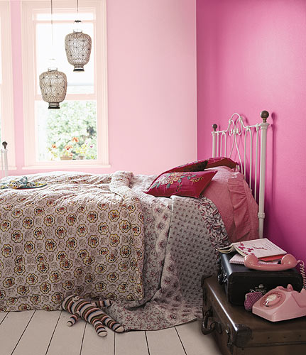 Young-lady-pink-bedroom-design