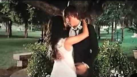 HIGH SCHOOL MUSICAL 3 TROY & GABRIELLA KISSING SCENE HIGH QUALITY