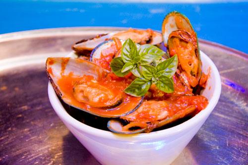 File:Sea food.jpg