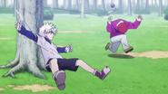 Killua hits Sub with his Yo-yo