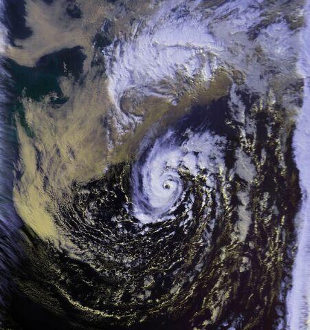 File:Unnamed Hurricane 01 nov 1991 1906Z.jpg