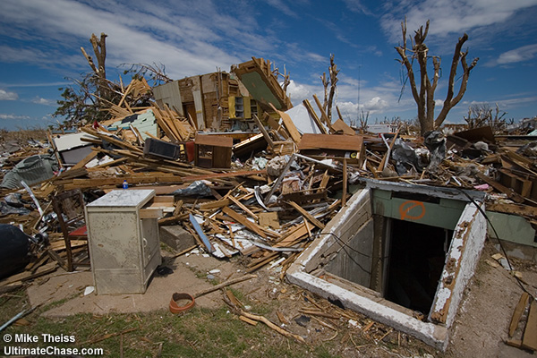 File:EF4 damage in Greensburg, Kansas.png