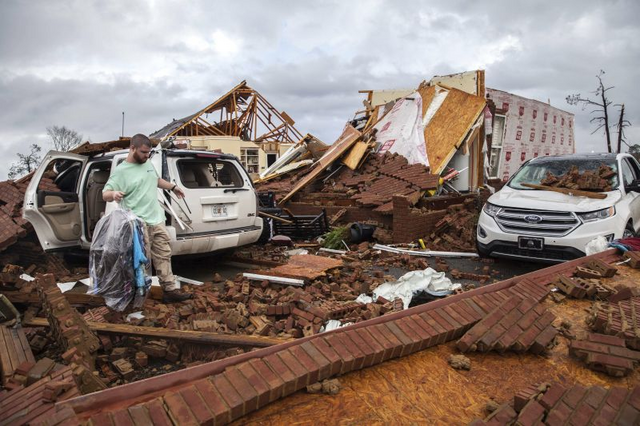 File:Possible EF4 damage in Albany, GA.png