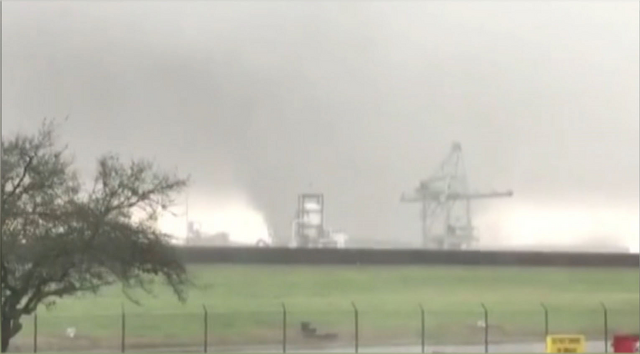 File:New Orleans tornado February 7, 2017 2.png