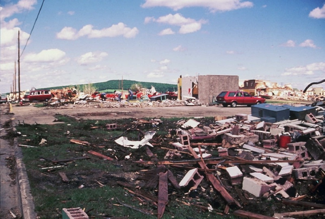 File:F5 tornado damage in Barneveld, Wisconsin.png