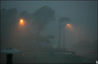 File:Extreme Rain and Wind.jpg