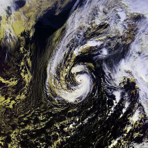File:Hurricane Olga 27 nov 2001 1714Z.jpg