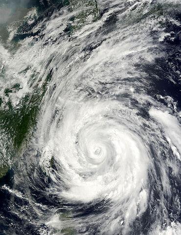 File:Typhoon Rammasun 03 july 2002 0215Z.jpg