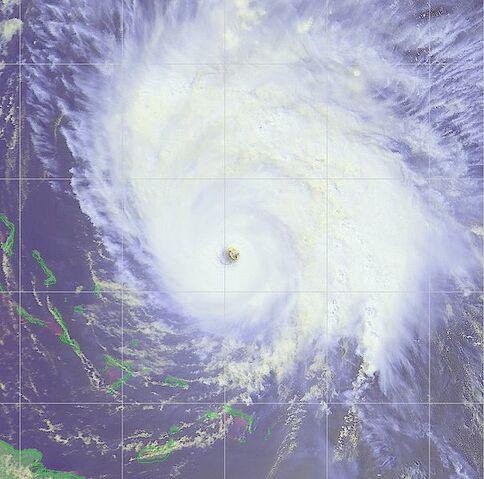 File:Hurricane Hortense 12 sept 1996 1815Z.jpg