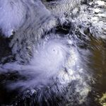 Typhoon Omar 29 aug 1992 2154Z.jpg