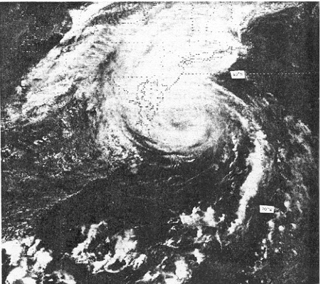 File:Hurricane Belle 1976 near landfall.jpg