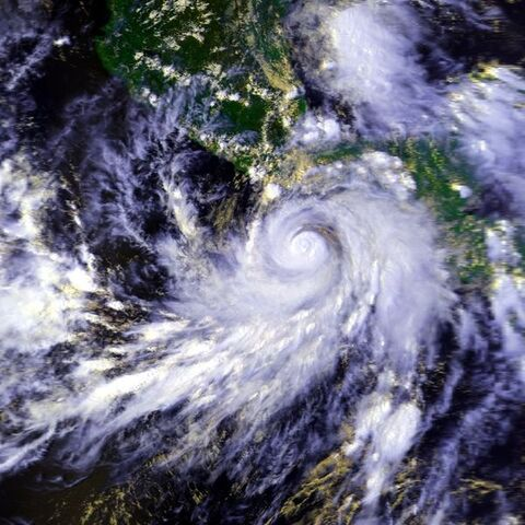 File:Hurricane Pauline 07 oct 1997 2042Z.jpg