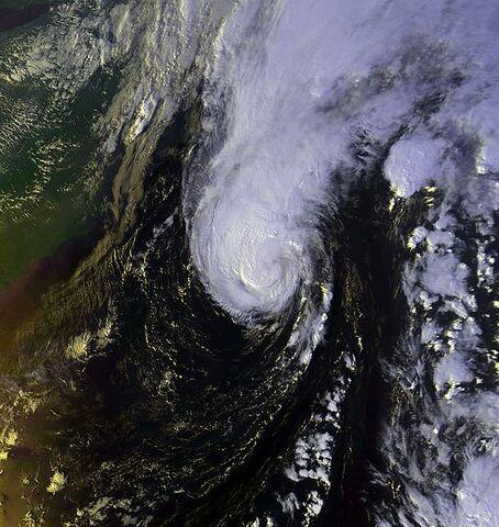 File:Hurricane Michael 18 oct 2000 2045Z.jpg