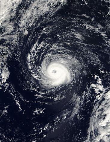 File:Hurricane Kate 04 oct 2003 1420Z.jpg
