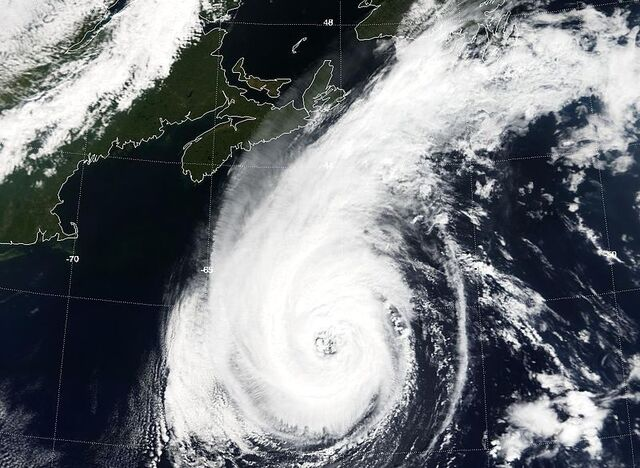 File:Hurricane Erin (2001) - SNS.JPG