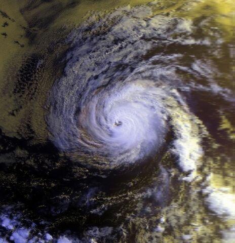 File:Hurricane Fefa 02 aug 1991 1534Z.jpg