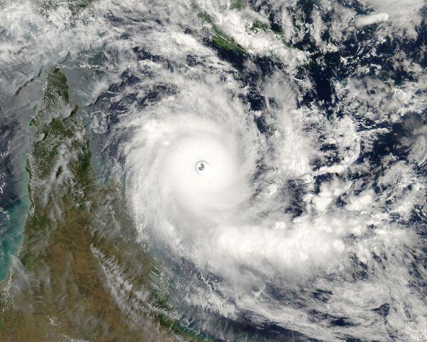 File:Cyclone Ingrid 2005.jpg