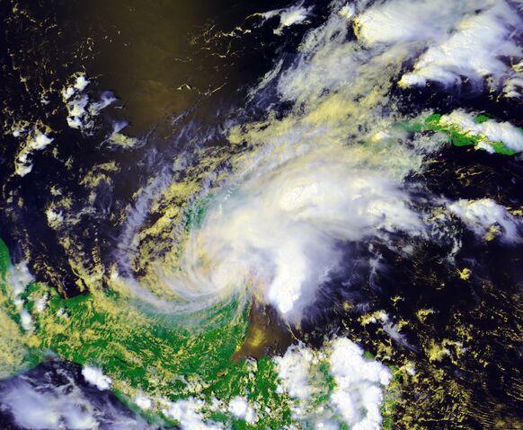 File:Tropical Storm Chantal 2001.jpg