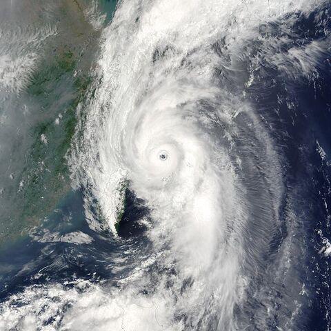 File:Typhoon Soudelor 2003.jpg