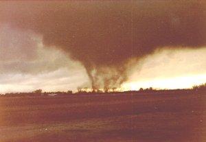 File:Tornado 58.jpg