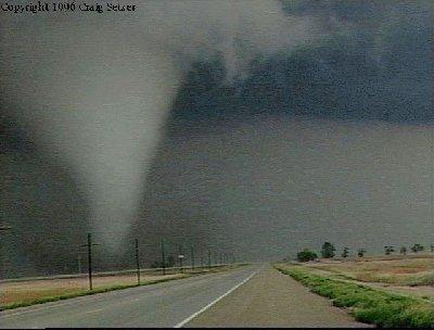File:Tornado 17.jpg