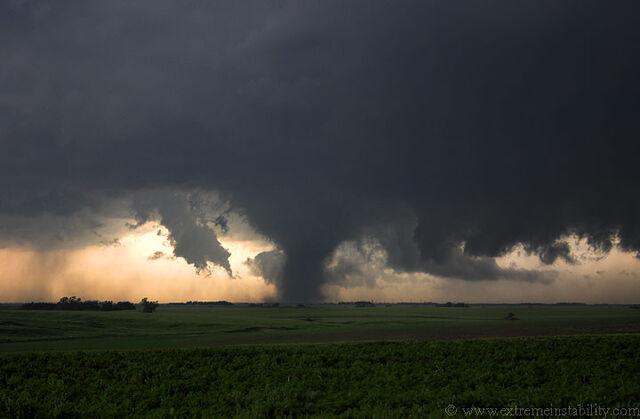 File:Tornado 21.jpg