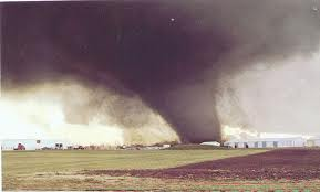 File:Tornado 104.jpg