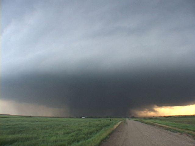 File:Tornado 150.jpg