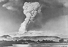 File:May 1915 Lassen eruption column.jpg