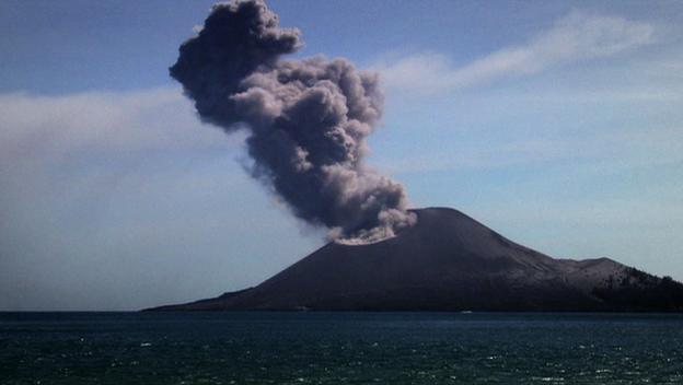 File:Krakatoa Volcano.jpg