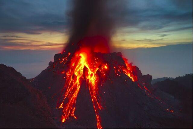 File:Volcanic eruption 3.jpg