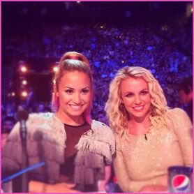 Demi-Lovato-Britney-Spears-The-X-Factor