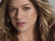 Kelly Clarkson Wallpaper F2E8R1