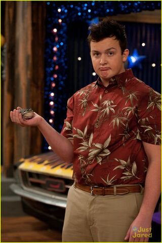 File:Icarly-ibattle-chip-03.jpg