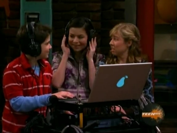 File:ICarly.S01E04.iLike.Jake.avi.flv 001223622.jpg