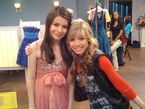 Miranda Jennette BTS - iWas a Pageant Girl-1
