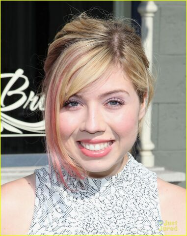 File:Jennette-mccurdy-power-youth-03.jpg