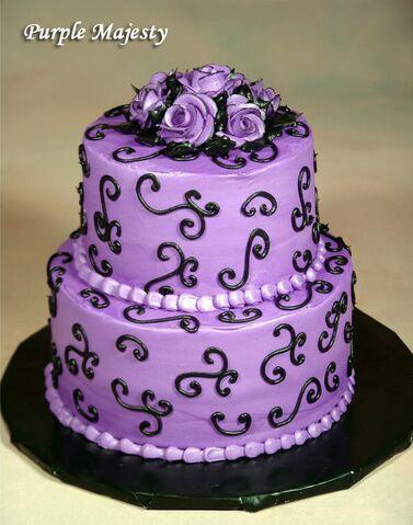 File:Purple-Majesty-wedding-cake.jpg