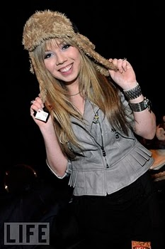 File:American-country-awards-2010-jennette-mccurdy-8.jpg