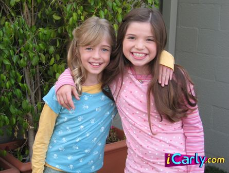 File:Little carly and sam.jpg