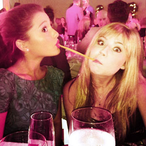 File:Ariana-Grande-and-Jennette-McCurdy-ariana-grande-32339973-500-374.jpg