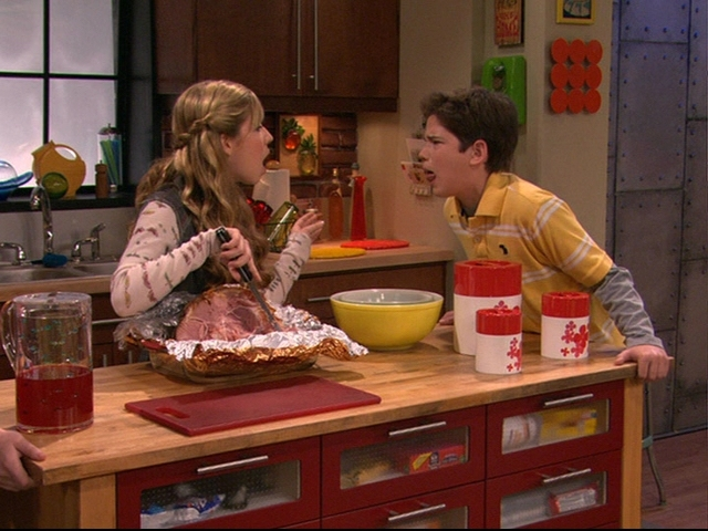 File:IPilot-icarly-6526615-640-480.jpg