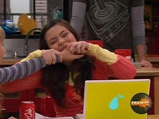 File:Carly bites Sam's hand.jpg