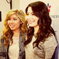 Miranda Cosgrove and Jennette McCurdy at the Kennedy Space Center.jpg