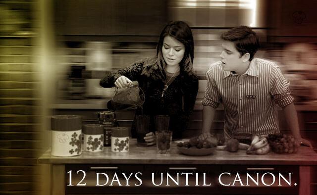 File:12 Days, by CreddieCupcake.jpg